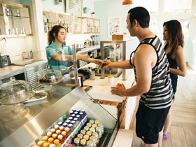 Descano Beach Descanso Fresh cafe serving quick lunch options, coffee, snacks and ice cream.